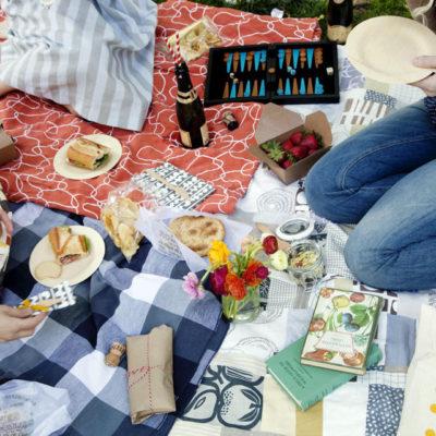 Picnics + Dining Al Fresco