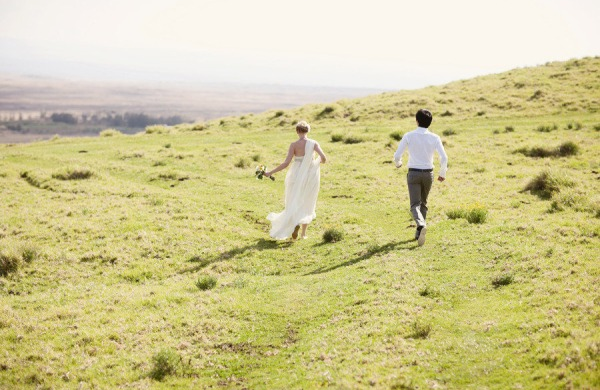 ethereal gauzy wedding dress couple hawaii hills