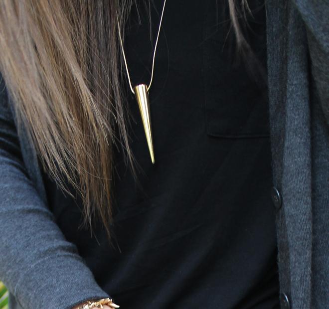 Lexi Old Navy brand ambassador black t-shirt tee gold spike necklace boyfriend cardigan _ glitterinc.com