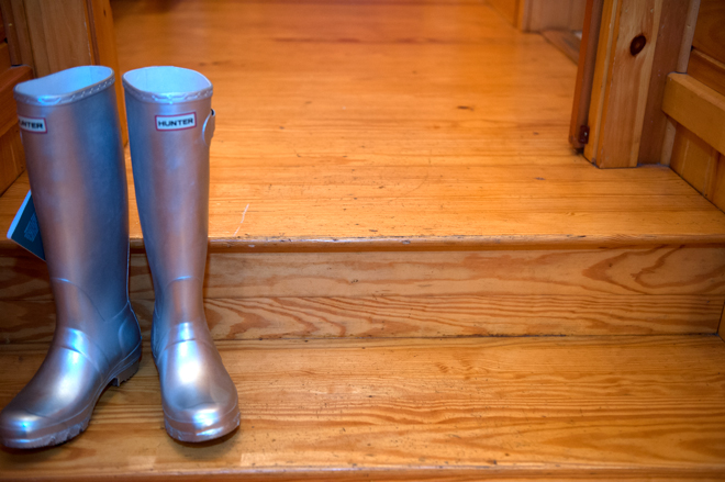 Lexi-wedding-migis-lodge-hunter-silver-wellies-rain-boots-_-glitterinc.com