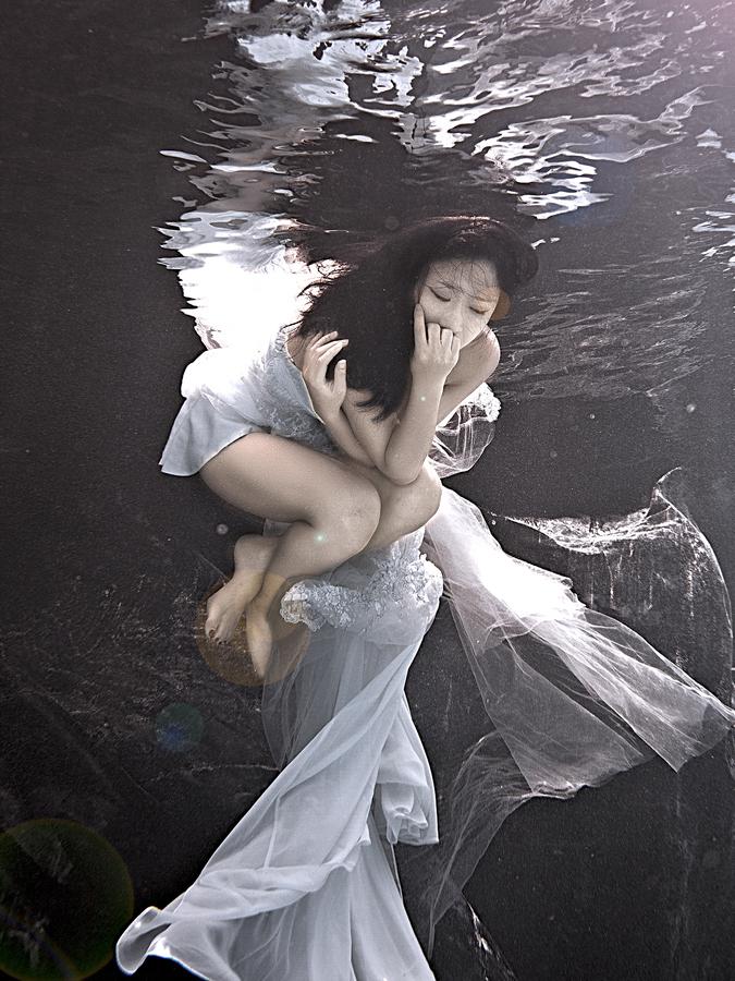ada wang bride underwater blue wedding dress