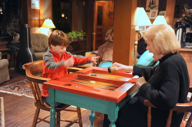 lexi-backgammon-grandma-migis-lodge-_-glitterinc.com