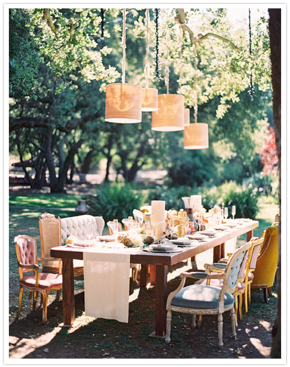 safari-inspired-wedding-mismatched-chairs-tablescape