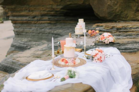 ashley kelemen beachshoot-pink-beach-wedding-food-picnic
