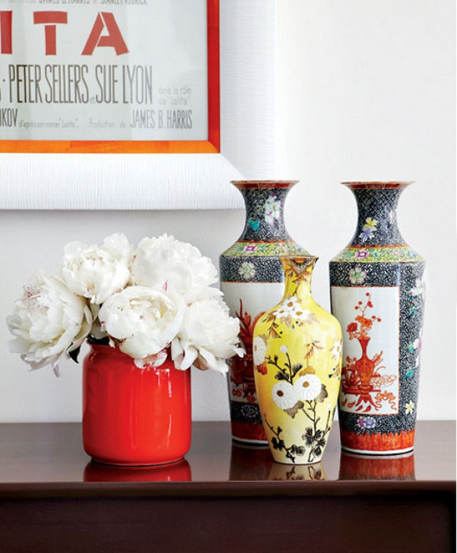 vases-flowers-bright-home-by-Virginia-MacDonald