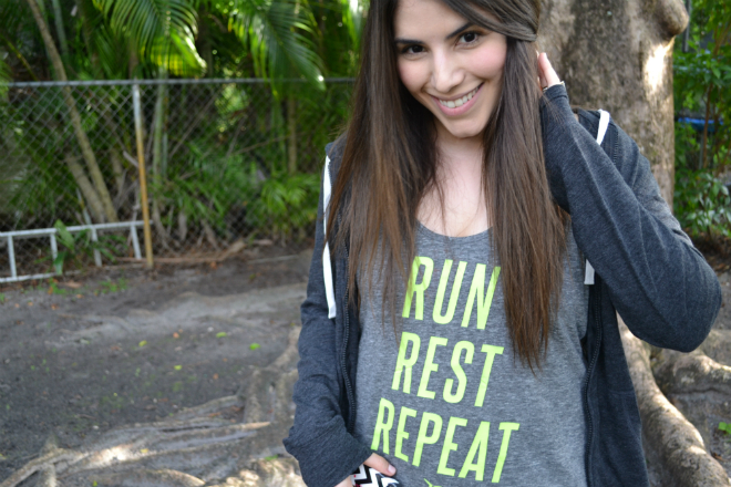Lexi Old Navy blogger active wear run rest repeat hoodie compression _ glitterinc.com