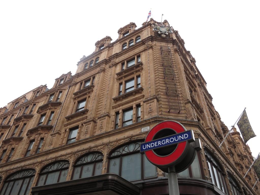 Harrods London vacation _ glitterinc.com