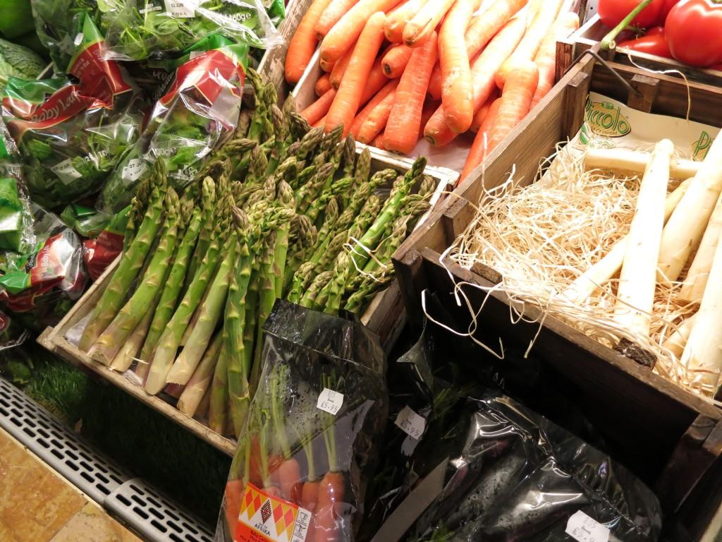 Harrods London vegetables stalls _ glitterinc.com
