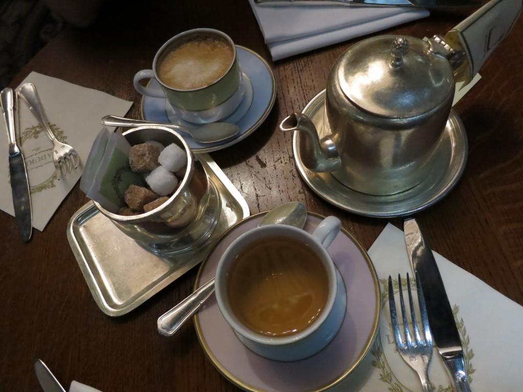 Laduree London tea cups _ glitterinc.com