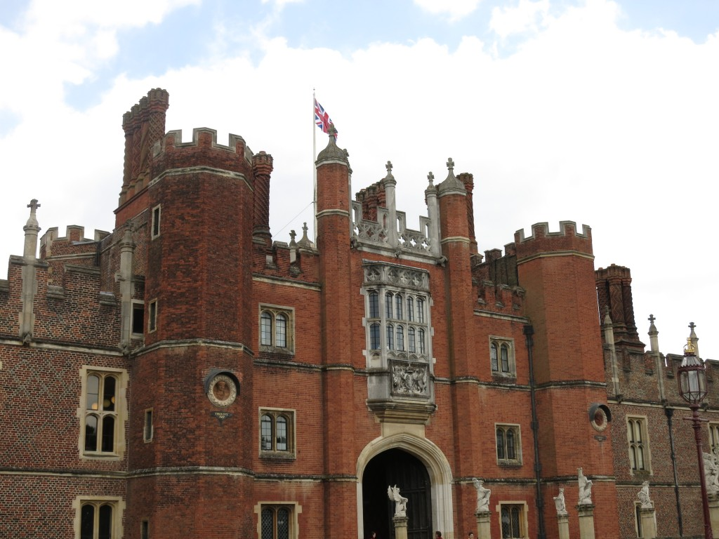 London Rimmel Vacation Hampton Court Palace 2