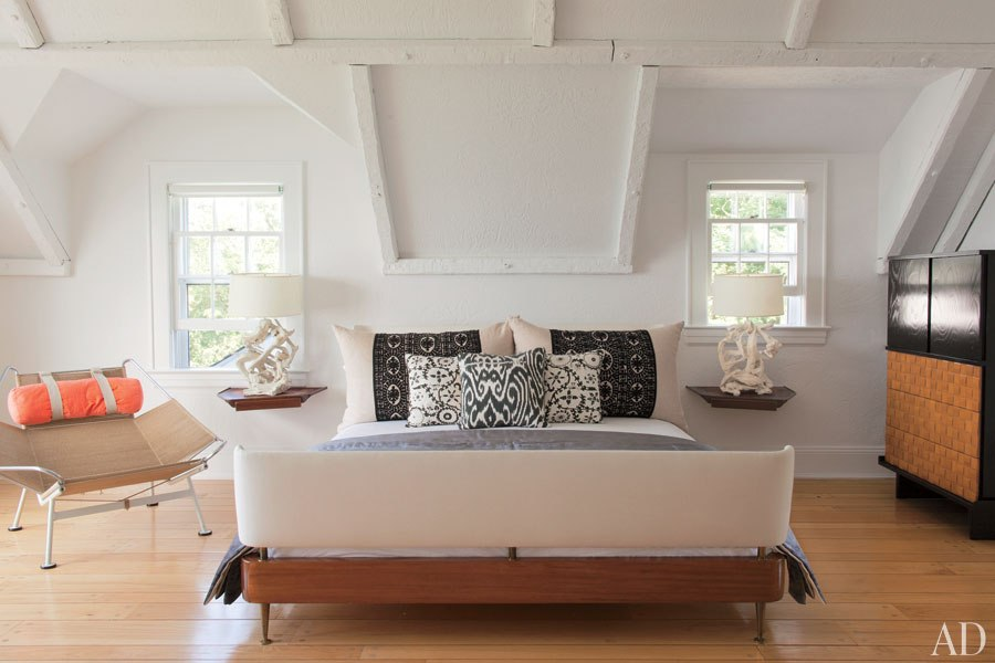 shelter island beach house-guest-room