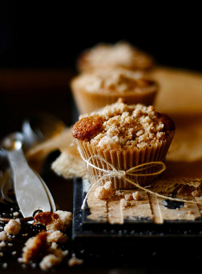9 Fall-ready apple desserts: Chunky Apple Cinnamon Crumb Muffins