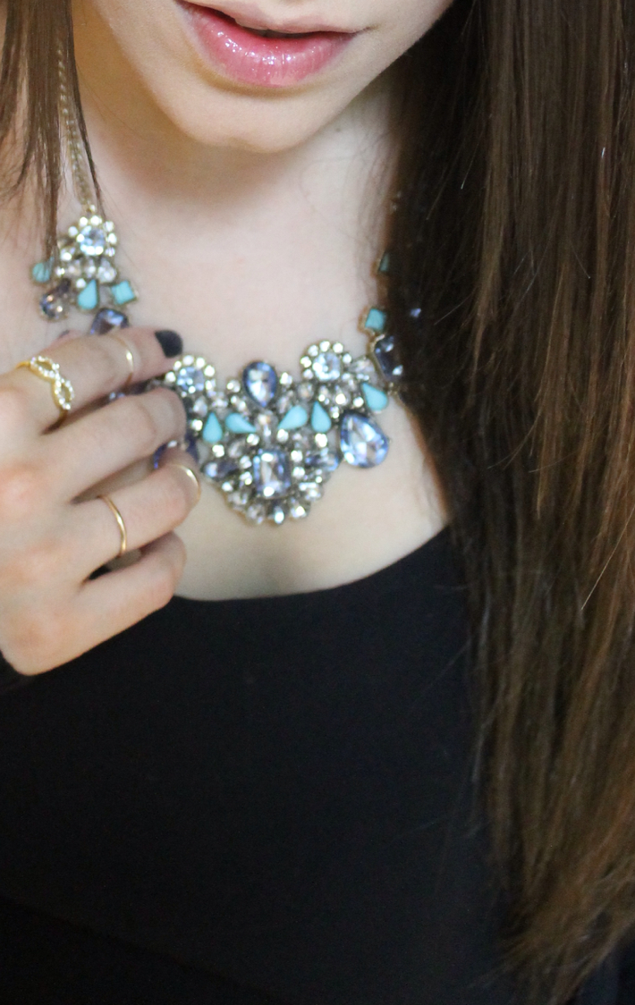 Lexi BaubleBar standout style getting ready date night close-up necklace _ glitterinc.com