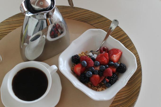 New York Fashion Week NYC the standard hotel fruit yogurt granola coffee breakfast room service _ glitterinc.com