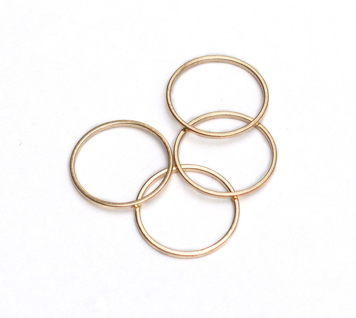 giveaway Sets of Gold Midi Rings from Faire Figure _ glitterinc.com