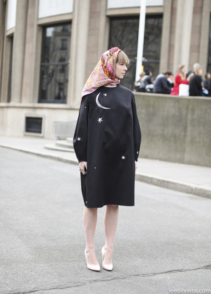 LEEOLIVEIRA3p3 scarf star black dress nude heels pumps street style