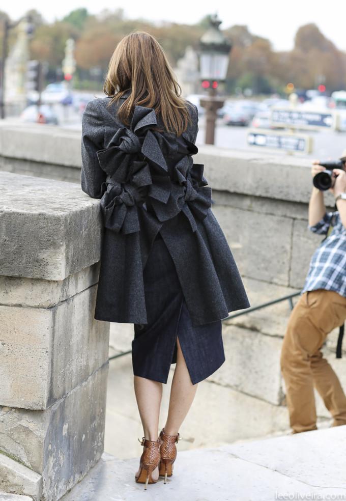 LeeOliveira-back ruffle coat paris street style