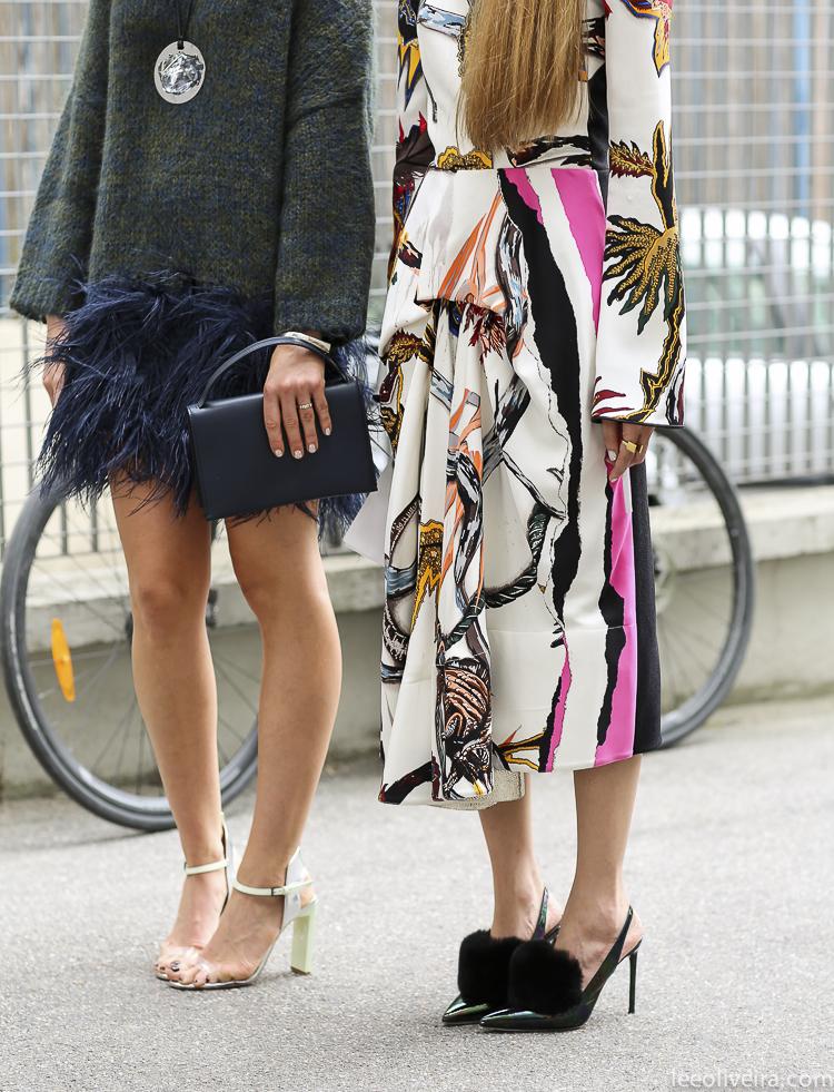 LeeOliveira- paris fashion week street style feathers sweater