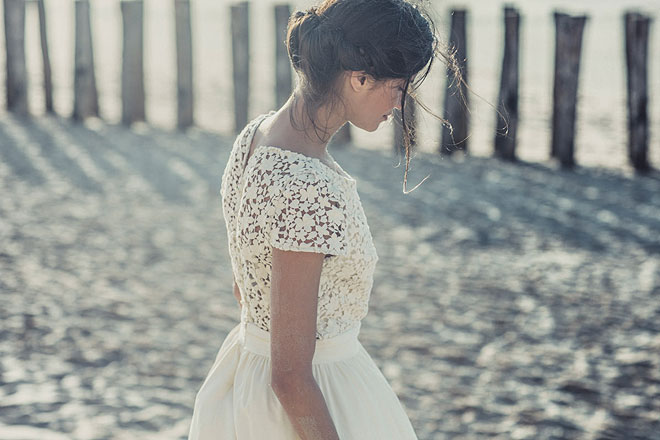 laure-de-sagazan-lace wedding dress beach
