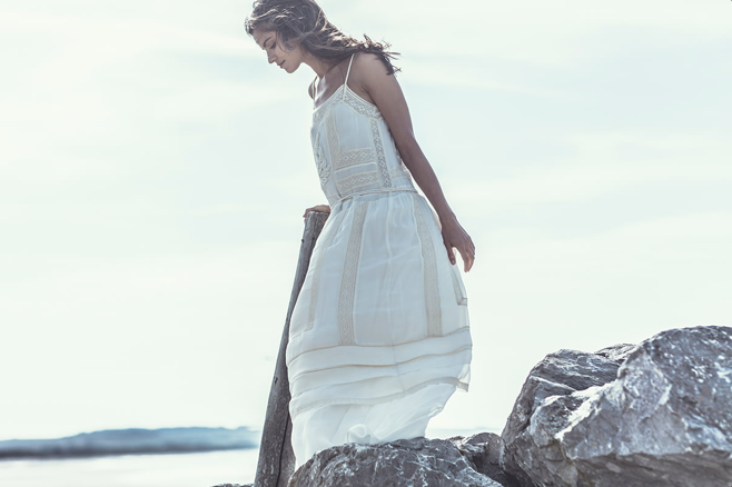 laure de sagazon vintage-inspired beach wedding dress
