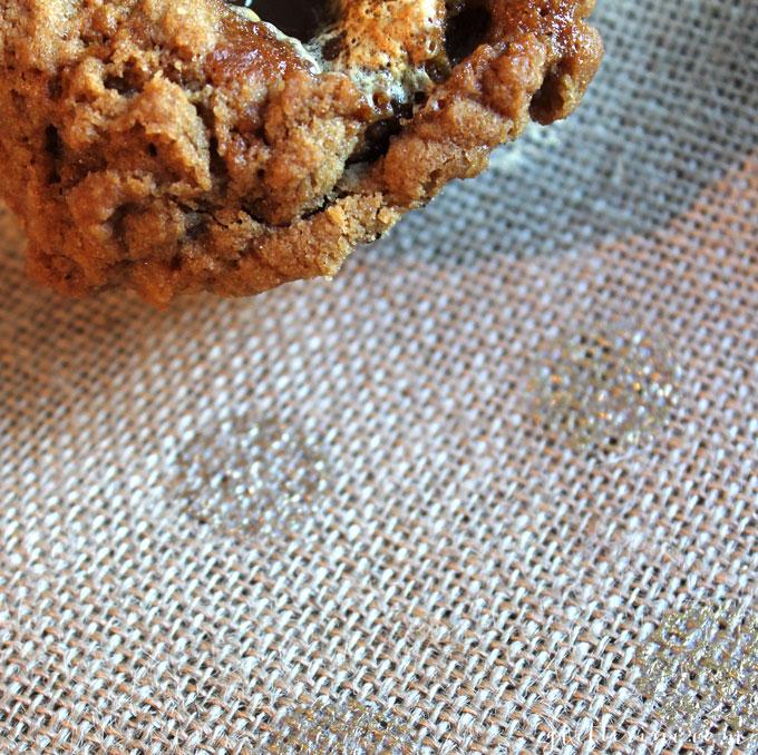 pumpkin-marshmallow-stuffed-streusel-fall-muffin-corner-_-glitterinc.com