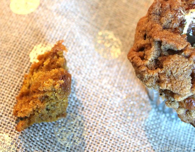 pumpkin-marshmallow-stuffed-streusel-muffins-crumb-_-glitterinc.com