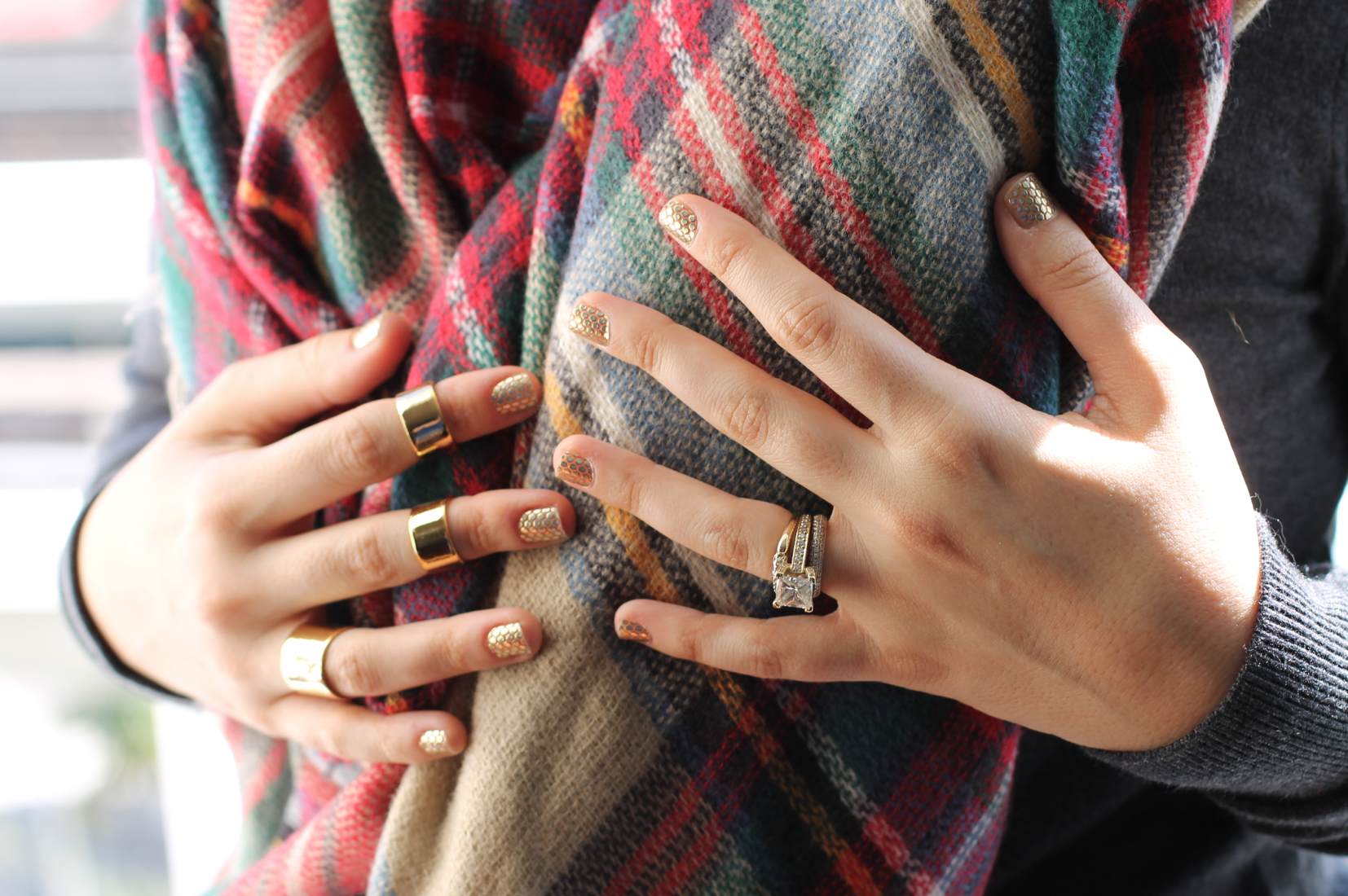 Holiday Metallics: Gilded Gold Nails | Glitter, Inc.