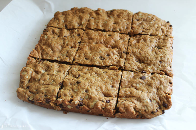 Healthy-Peanut-Butter-Oatmeal-Chocolate-Chip-Cookie-Bars-2---glitterinc.com