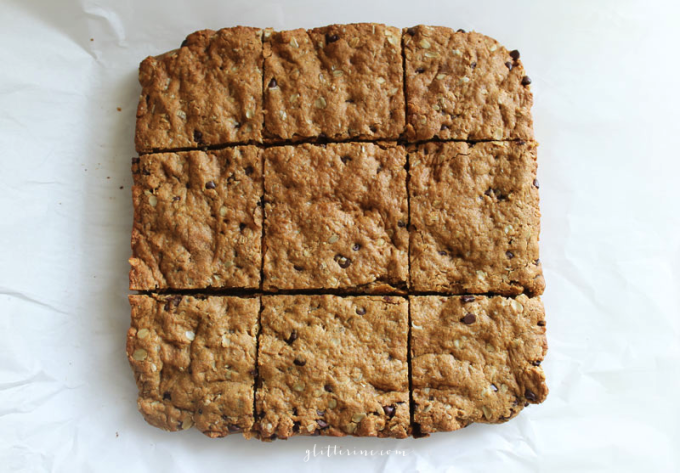 Healthy-Peanut-Butter-Oatmeal-Chocolate-Chip-Cookie-Bars---glitterinc.com