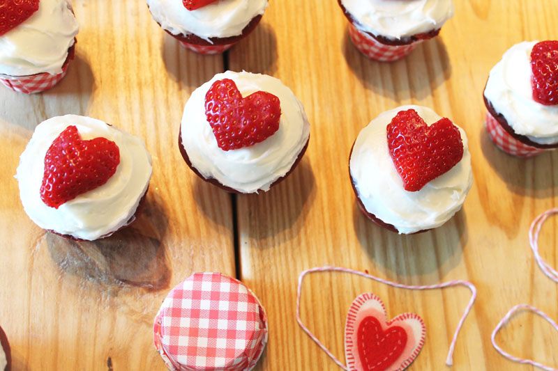 Red-Velvet-Cupcakes-with-Cream-Cheese-Frosting---The-Hummingbird-Bakery---strawberry-hearts-5---glitterinc.com