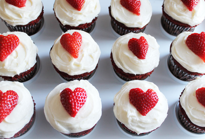 Red-Velvet-Cupcakes-with-Cream-Cheese-Frosting---The-Hummingbird-Bakery---strawberry-hearts---strawberries---large---glitterinc.com