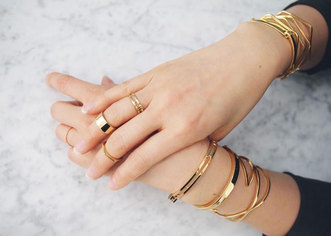 handcuff-bracelet-gold-bracelets-rings