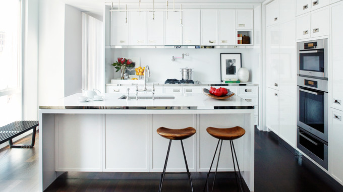 Manhattan-NYC-Home-Tour-white-kitchen