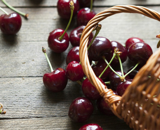 black-cherries-basket