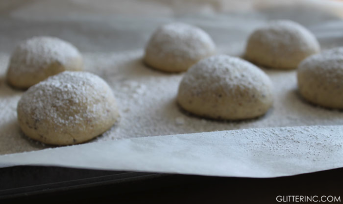 nutella-filled-powdered-sugar-hazelnut-shortbread-cookies-_-glitterinc ...