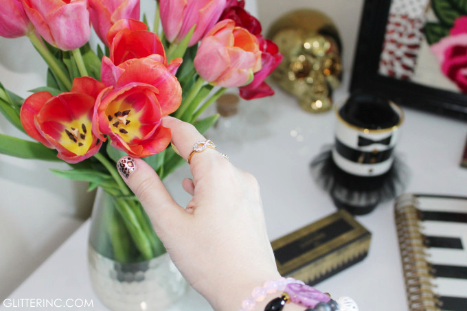 tulips-beautiful-inspiration-gold-skull-desk-stripes-laduree-leopard-nails-glitterinc.com_