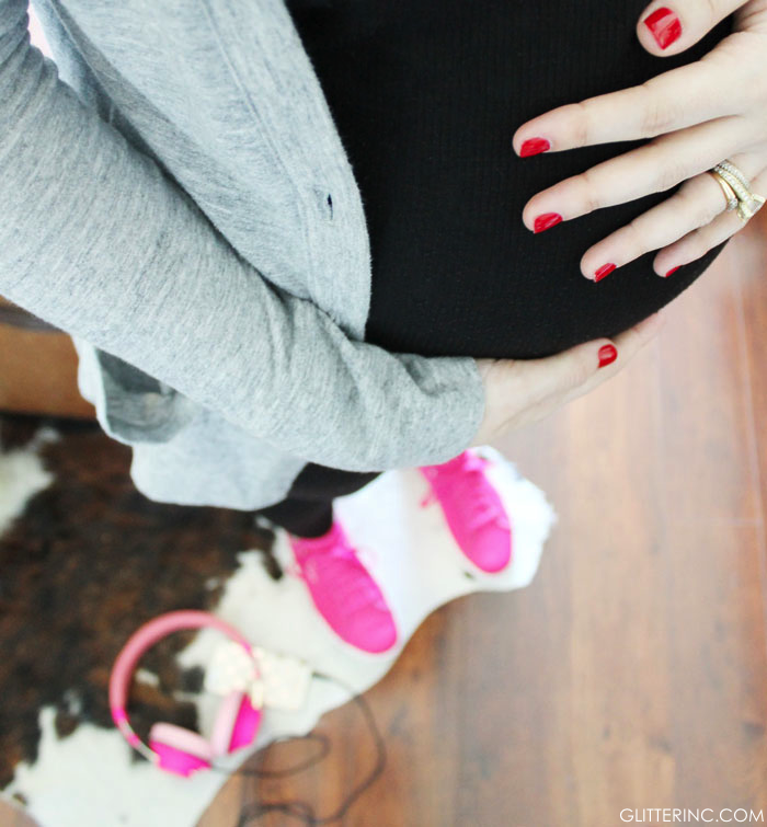 Lexi-Pregnant-Blogger---exercise---Reebok-Skyscapes-Pink-Sneakers-_-glitterinc.com