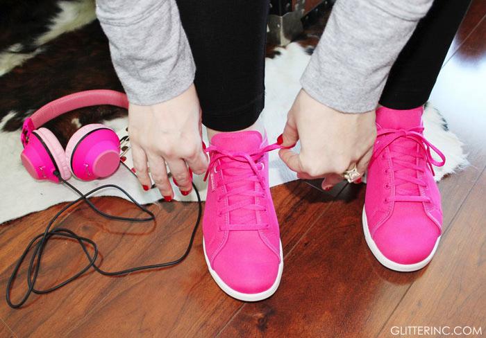 Reebok-Skyscapes-Pink-Sneakers---blogger---headphones---glitterinc.com