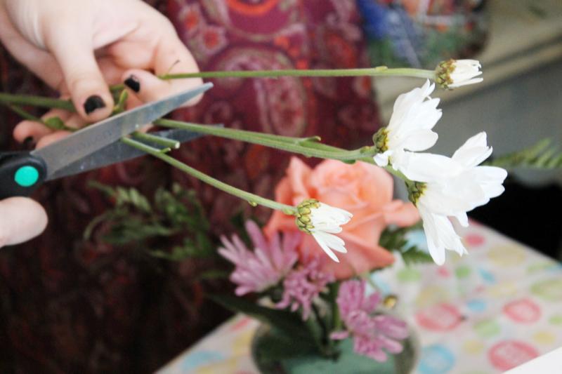baby girl shower tea party - DIY flower party bar favor - glitterinc.com