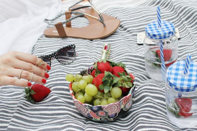 Summer Picnic - pregnant maternity sunglasses - Sears Style - glitterinc.com