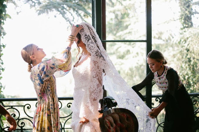 molly-asher-wedding---fashion-by-mary-kate-and-ashley-olsen-veil