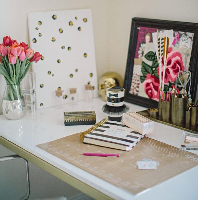 DIY-leopard-canvas-office-blogger---glitterinc.com