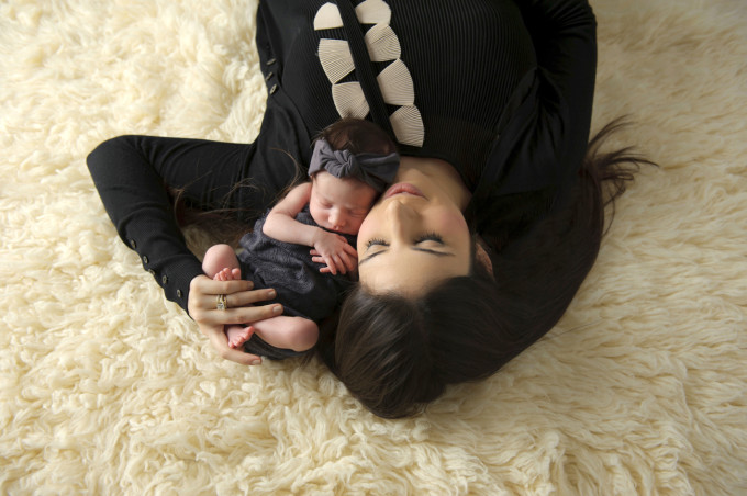 Scarlett-Everly-Newborn-Baby-Photo-Shoot-mom-hair---glitterinc.com