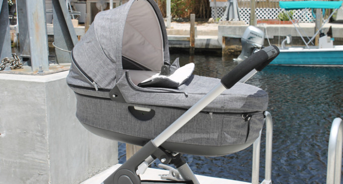Stokke-Crusi-Stroller-with-carry-cot---review---glitterinc.com