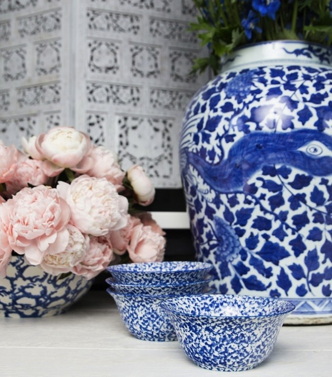 Tory Burch Tabletop dishes _ Spongeware - blue and white - bowls