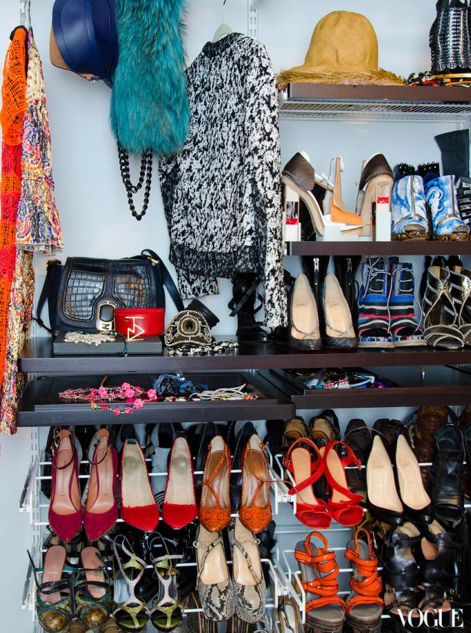 taylor-tomasi-apt-closet