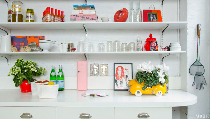 taylor-tomasi-apt-kitchen