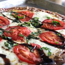 Caprese-Whole-Wheat-Pizza-Homemade-with-Blasamic-Glaze-Basil-Mozarella---glitterinc.com