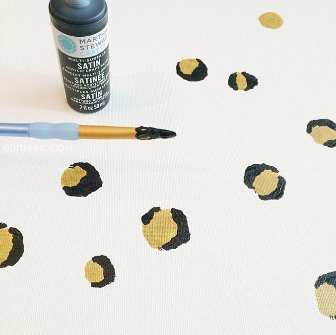 DIY-leopard-spots-how-to-print-canvas---paint---glitterinc.com
