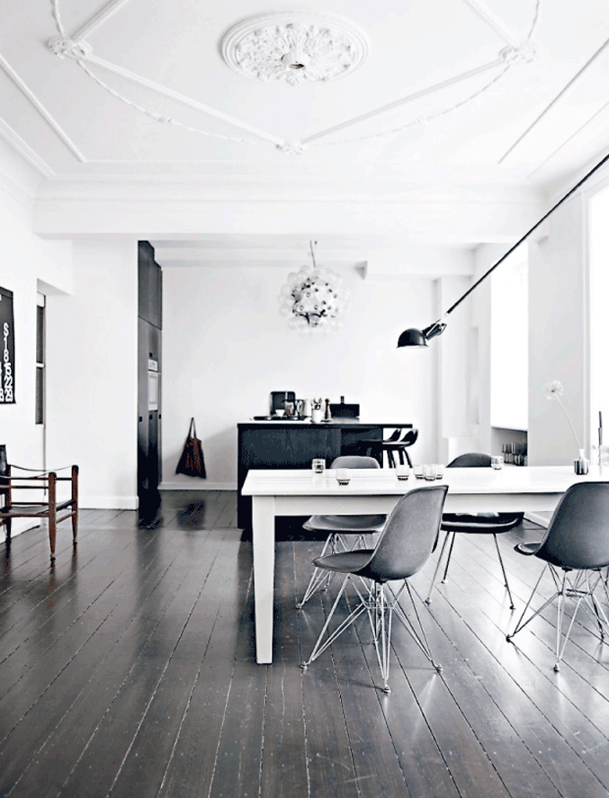Danish-Home-Black-White---dining-room---black-floors
